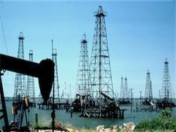 Нефть WTI впервые с декабря 2014г превысила $63