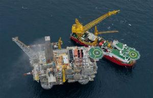Страны ОПЕК+ в августе выполнили соглашение по добыче нефти на 108%