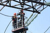 На важнейших ВЛ-220 кВ в Свердловской области установят 2,2 тыс стеклянных изоляторов