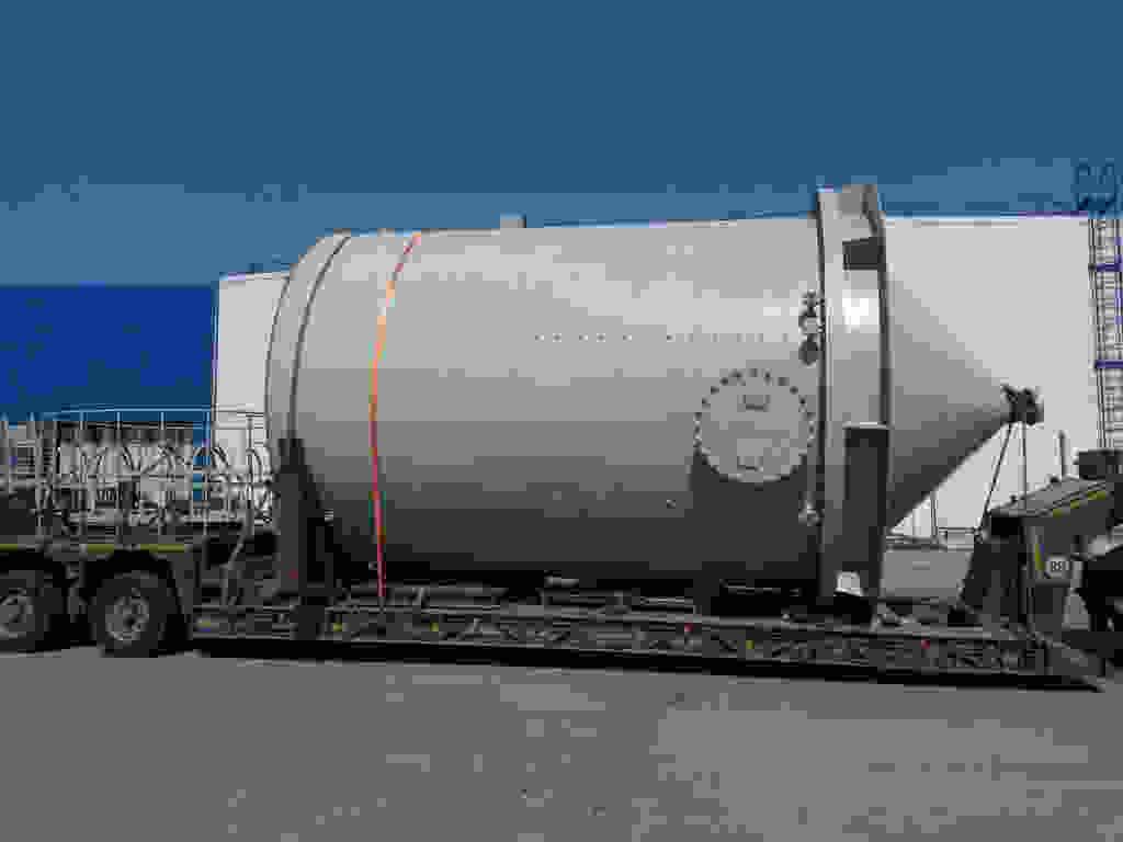 На стройплощадку ЛАЭС-2 доставлено последнее оборудование для выработки химобессоленной воды по проектной схеме