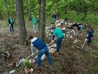 Участники экомарафона Богучанской ГЭС вышли на уборку пригородного леса