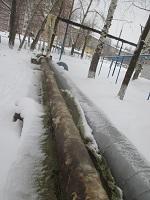 С наземных теплотрасс на территории одной из школ Ижевска срезали 29 м новой теплоизоляции